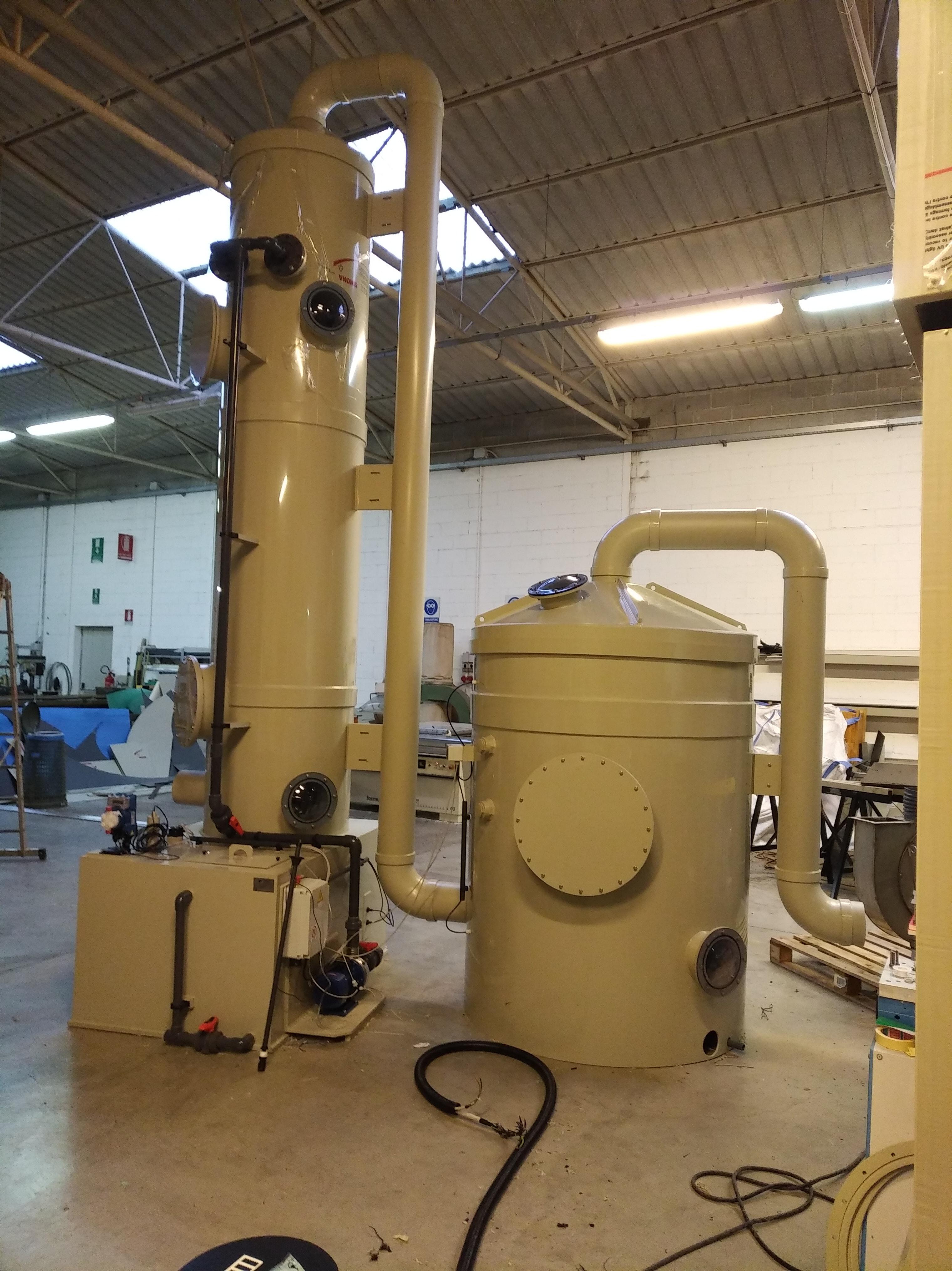 Impianto di abbattimento odori con filtro e scrubber